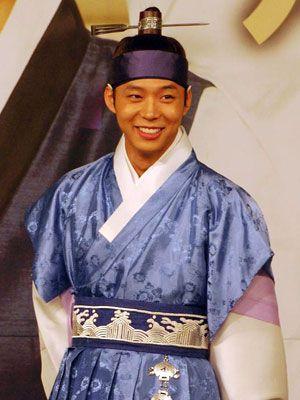 韓国の伝統衣装も様に!-ユチョン