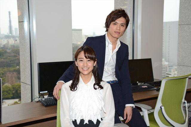映画初主演を務める山本美月と上司役の山本裕典