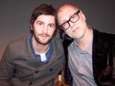 (左から)ジム・スタージェス、フアン・ソラナス監督