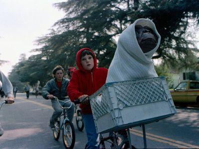 これから飛び立つぞー - 映画『E.T.』より