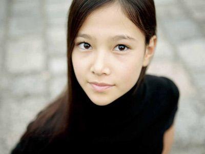 16歳-美の遺伝子を受け継いだ草刈麻有