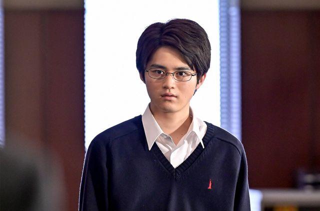 「ドラゴン桜」3話より、鈴鹿央士演じる秀才の藤井
