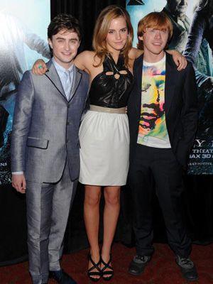 大事には至らなかったようで……。-映画『ハリー・ポッター』シリーズ主要キャストの(左から)ダニエル・ラドクリフ、エマ・ワトソン、ルパート・グリント