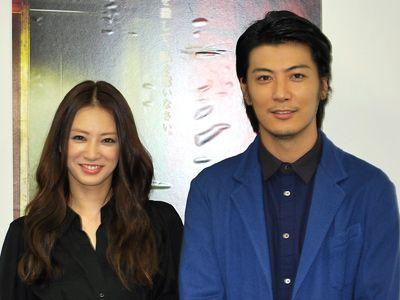 仲良しです! (左より)北川景子と玉山鉄二