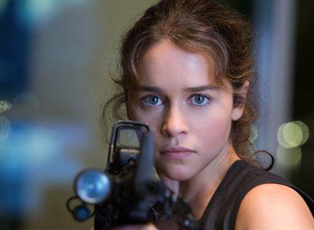 美しくもたくましいヒロインを演じたエミリア・クラーク