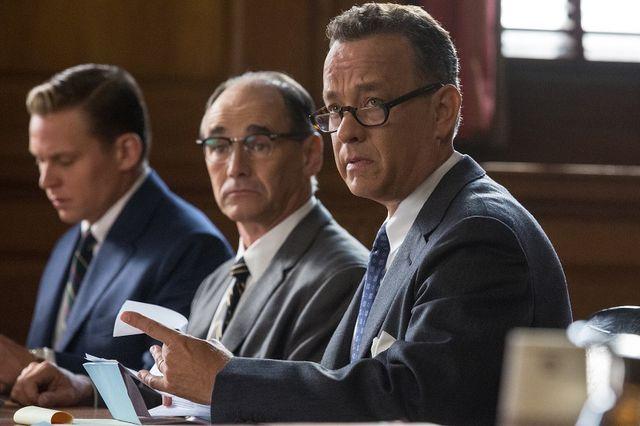 トム・ハンクスがスパイを守る弁護士を熱演
