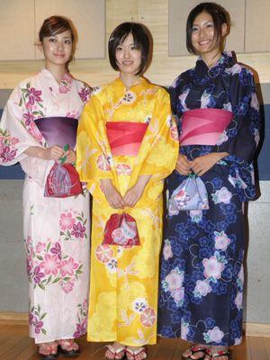 若手美人女優3人がしっとり浴衣姿