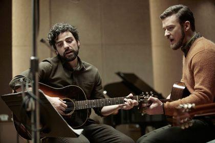 ジュリアード音楽院出身のオスカー・アイザックと歌手のジャスティン・ティンバーレイク