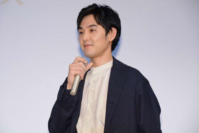 舞台あいさつに出席し、松田ワールドで会場を包んだ松田龍平