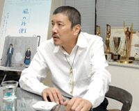 奥田瑛二監督