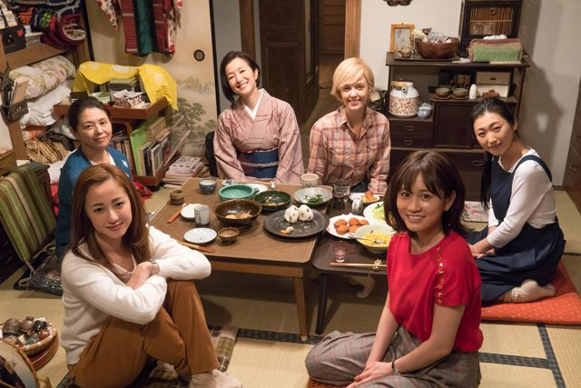 食べる8人の女優たち - シネマト...