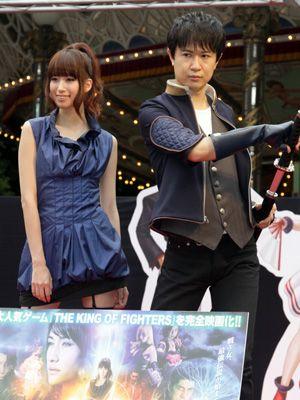キャラクターのコスプレで登場! 小清水亜美と杉田智和