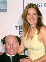 昨年の7月に撮影されたクリストファー・リーヴと妻のダナ・リーヴ