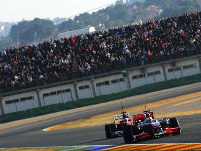 音速の世界がどう描かれるのか?-写真は2010年2月3日、スペインにて行われたF1テスト走行