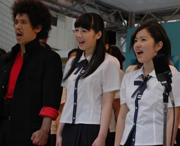 寒さの中、熱い歌声が渋谷に響いた
