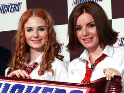 左からリェーナとユリヤ - 画像は昨年10月の来日時のもの