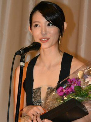 「いまはやって良かったと本当に思っています」と感慨深い表情を見せた岩佐真悠子