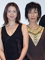 小泉今日子は母親役を演じた大楠道代とも仲良し