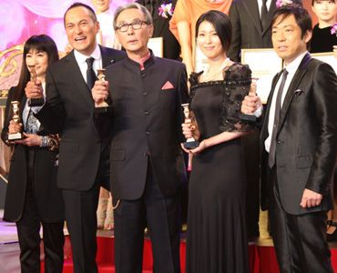 主要部門の最優秀賞に輝いた面々! (写真左から、余貴美子、渡辺謙、木村大作、松たか子、香川照之)