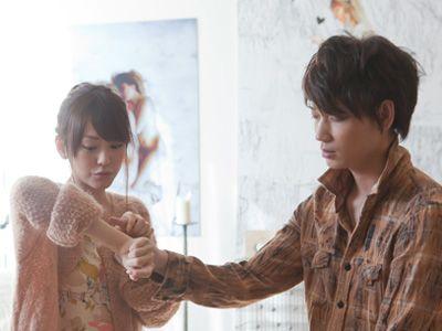 「日本とパリって、一万キロも離れているんだよ」と言いながら近付く桐谷美玲&綾野剛演じたカップル