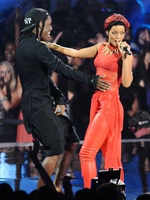 2012年にMTVビデオ・ミュージック・アワードで共演した二人 - エイサップ・ロッキーとリアーナ