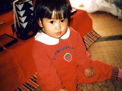 前田敦子、1歳半のひな祭り! - 丸美屋「麻婆豆腐の素」新CM「小さい頃の写真」篇より