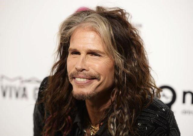 10月3日、米ロックバンド「エアロスミス」のスティーヴン・タイラーさん(69)は、心臓発作を起こしたとのうわさを否定した。写真は2016年2月撮影