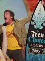 8月に行われた「ティーン・チョイス・アワード」で大暴れするジム・キャリー