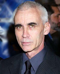 『007』のリー・タマホリ監督、売春容疑で逮捕