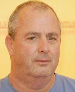 ロジャー・ミッシェル監督、次回ボンド映画の監督を降板