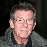ジョン・ハート、ミステリー映画で主演