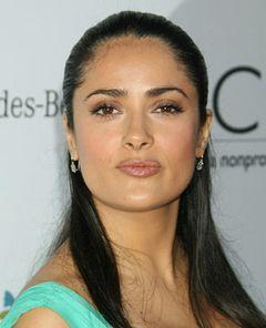 サルマ・ハエック、母国メキシコでスペイン語映画へ出演