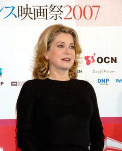 大女優カトリーヌ・ドヌーヴが渡辺謙とは「一夜だけ」