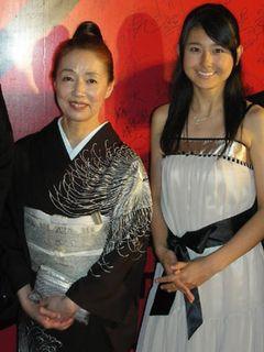 東宝シンデレラの黒瀬真奈美が上海で初々しくレッドカーペットデビュー