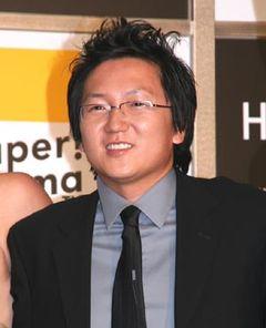 報道陣が160人! 注目のIQ180の天才日本人俳優マシ・オカ大人気!