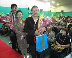奥田瑛二、妻と一緒にアツクなる!「映画館をなくすな!」