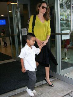 アンジェリーナ・ジョリー、最も魅力的なママに選ばれる…しかし、なぜかブリトニーが5位に…