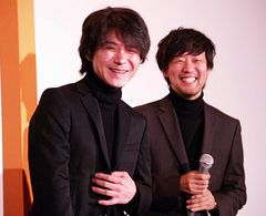 『続・三丁目の夕日』大ヒットで吉岡秀隆、監督とペアルック、コメントもかぶって息もピッタリ