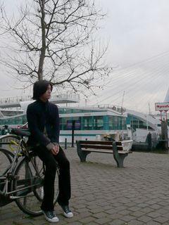 ゲストもびっくり!送迎はリムジンならぬ自転車の荷台!【ロッテルダム国際映画祭】