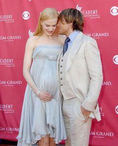 ニコール・キッドマン、妊娠7か月の大きなおなかを抱え「幸せ!」