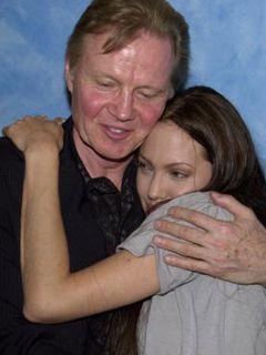 アンジェリーナの父親ジョン・ヴォイト、「24」第7シーズンで悪役に