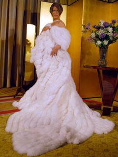 IKKO、ウエディングドレスでお嫁入り?でも10kgのドレスの重みで男に戻っちゃった!