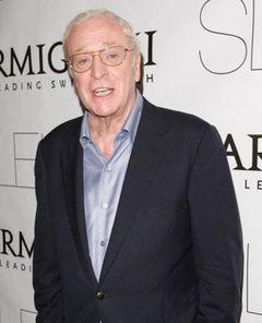「バットマン」次回作の悪役をマイケル・ケインがワーナーの重役に聞いてみた!