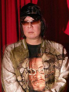 古田新太、ブラックでシュールな初主演映画公開でシュールに挨拶