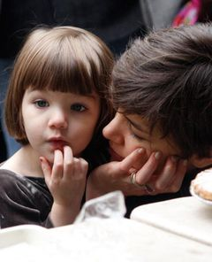 世界で最も影響力のある幼児はトム・クルーズの愛娘スーリちゃん