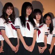 ミニスカ制服姿が初々しい高校生6人!でも内容は超過激なスプラッタ!