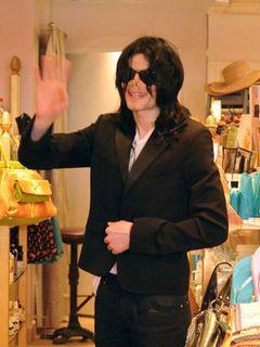 マイケル・ジャクソン、「肺の病気」はデマ