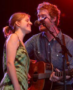 『ONCE ダブリンの街角で』で昨年アカデミー歌曲賞のカップルが破局