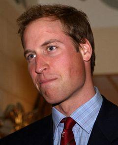 英・ウィリアム王子にハリポタの傷が? ゴルフクラブで額にあざ