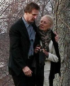 故ナターシャ・リチャードソンの母ヴァネッサ・レッドグレーヴ、4月からの舞台を延期